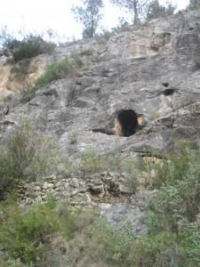 La cova de Sant Francesc, ja citada al capbreu de 1726, es pot veure des de la font de l'Alcàntera