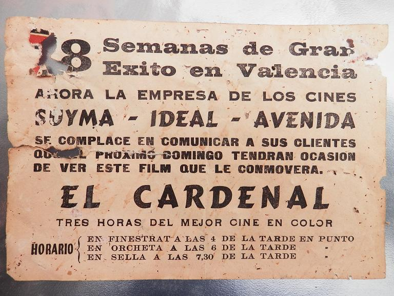 Publicitat del Cine Avenida, de l'ultima època en la que el regentava l'empresa del sr. Suay, juntament amb el Cine Ideal d'Orxeta i Suyma de Finestrat. Sella era l'últim poble en el que es projectava la pel·lícula, tal i com ens conta Ramón Garcia al programa L'Arxiu de la Memòria de Cabiló Ràdio.