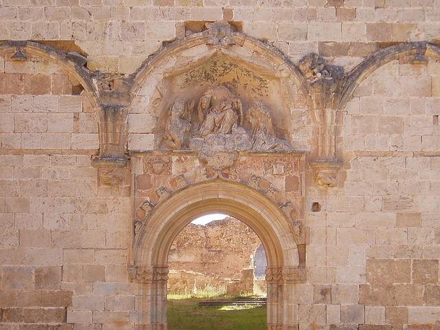 Portalada de l'església major de Vall de Crist. Font: Viquipèdia